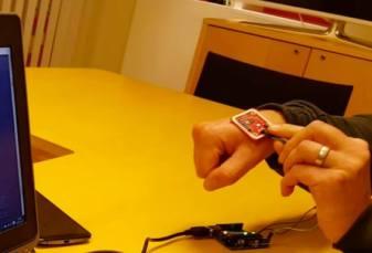 Se lucreaza la un microcip sofisticat, implantat sub ipiele, care sa se poata folosi la plata de oricine.
